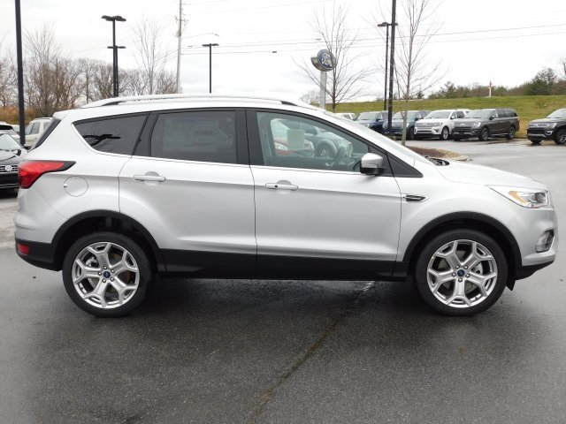 2019 Ingot Silver Metallic Ford Escape Titanium 4 Door Automatic 4X4 EcoBoost 2.0L I4 GTDi DOHC Turbocharged VCT Engine