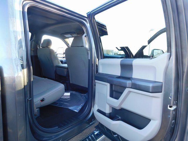 2019 Magnetic Metallic Ford Super Duty F-250 SRW XL Automatic 4X4 4 Door Truck