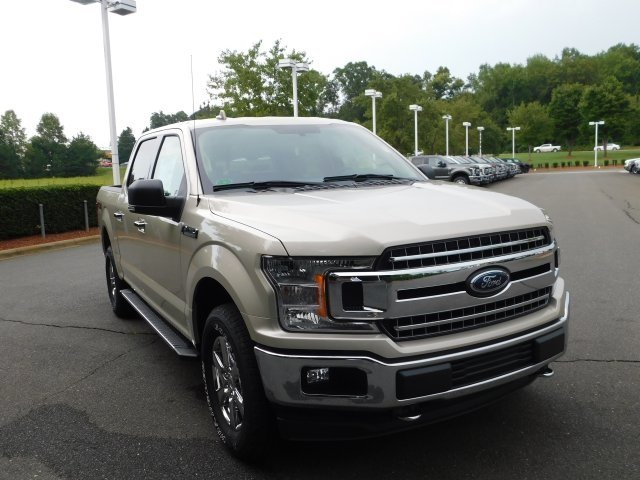 2018 White Gold Ford F-150 XLT 5.0L V8 Ti-VCT Engine 4 Door 4X4