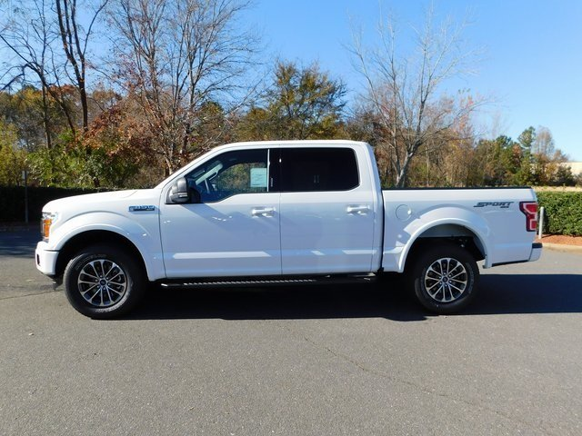 2018 Oxford White Ford F-150 XLT 5.0L V8 Ti-VCT Engine 4 Door Truck Automatic 4X4