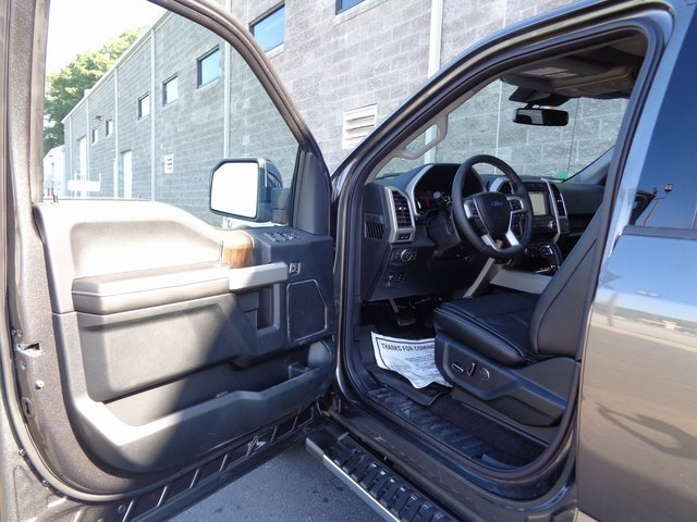 2018 Magnetic Metallic Ford F-150 Lariat Truck 4X4 4 Door Automatic