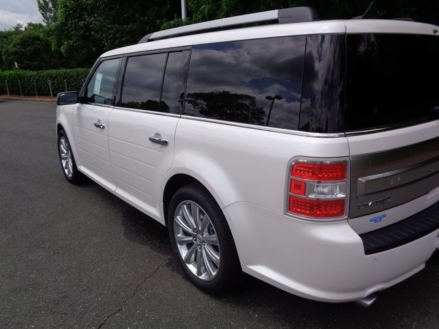 2018 White Platinum Clearcoat Metallic Ford Flex Limited Automatic FWD 3.5L V6 Ti-VCT Engine