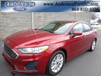2019 Ruby Red Metallic Tinted Clearcoat Ford Fusion SE EcoBoost 1.5L I4 GTDi DOHC Turbocharged VCT Engine FWD Automatic 4 Door