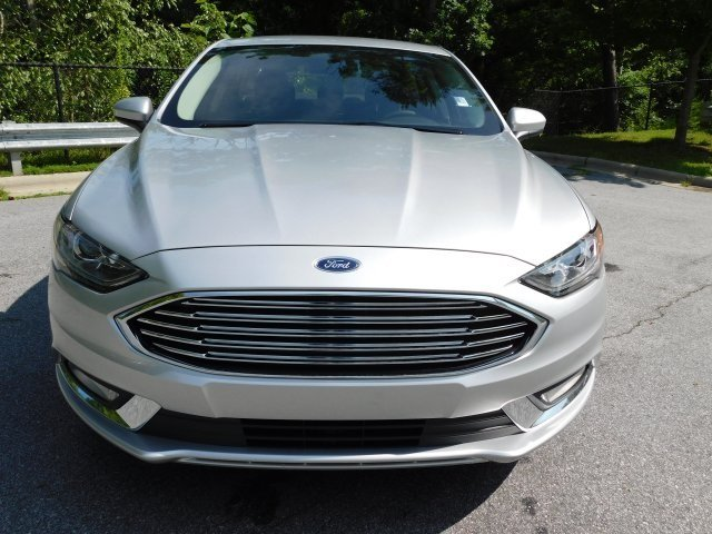 2018 Ingot Silver Metallic Ford Fusion SE FWD Sedan 4 Door