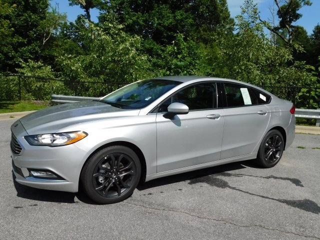 2018 Ingot Silver Metallic Ford Fusion SE EcoBoost 1.5L I4 GTDi DOHC Turbocharged VCT Engine Sedan Automatic 4 Door