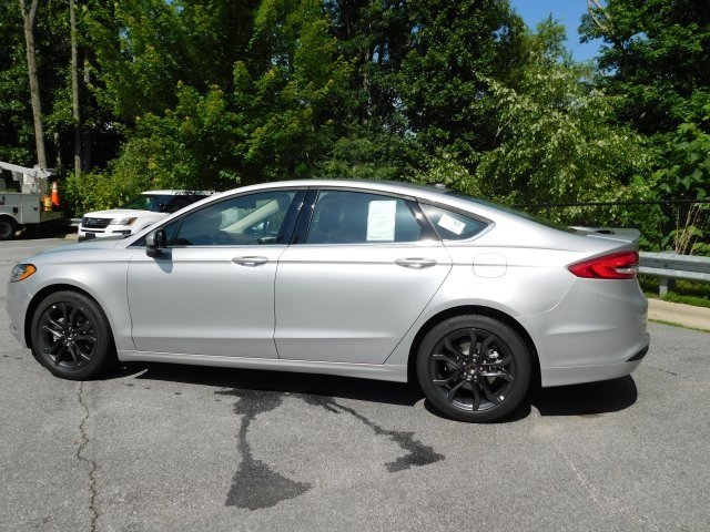 2018 Ingot Silver Metallic Ford Fusion SE 4 Door FWD Automatic Sedan EcoBoost 1.5L I4 GTDi DOHC Turbocharged VCT Engine