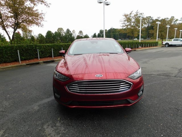2019 Ruby Red Metallic Tinted Clearcoat Ford Fusion SE FWD 4 Door Automatic EcoBoost 1.5L I4 GTDi DOHC Turbocharged VCT Engine Sedan