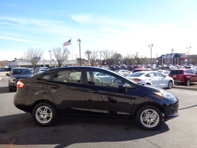 2019 Shadow Black Ford Fiesta SE Automatic FWD 1.6L I4 Ti-VCT Engine 4 Door