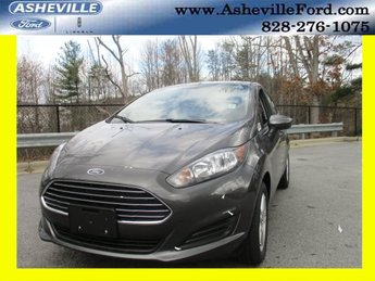 2018 Magnetic Metallic Ford Fiesta SE 4 Door Hatchback FWD