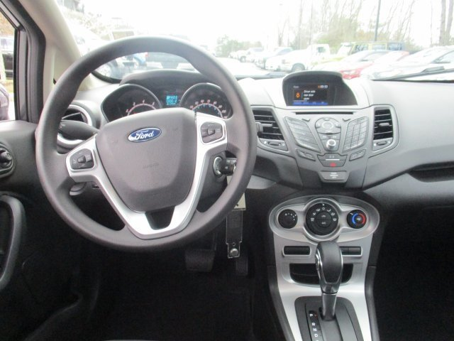 2018 Ford Fiesta SE 4 Door Automatic Hatchback