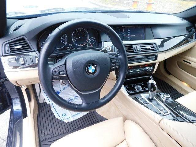 2012 BMW 5 Series 535i Sedan 4 Door 3.0L I6 DOHC 24V TwinPower Turbo Engine RWD