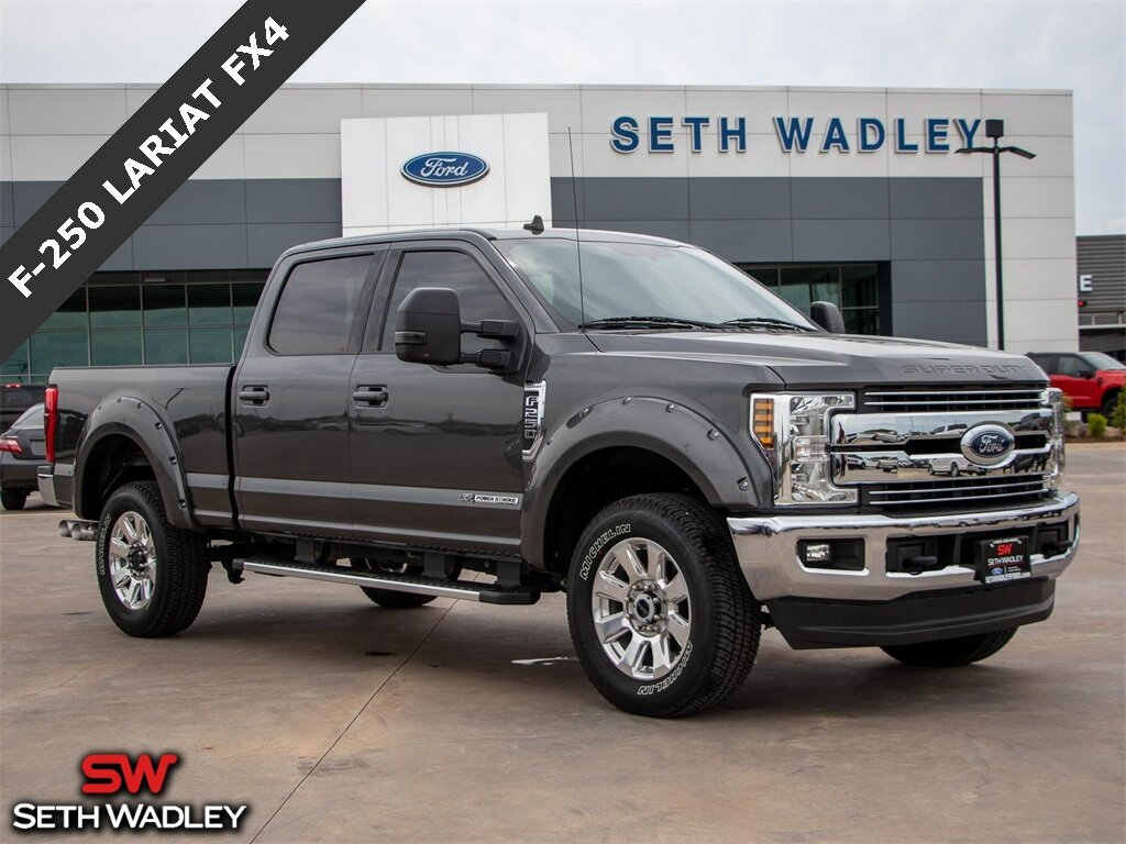 2019 Magnetic Metallic Ford Super Duty F-250 SRW Lariat 4X4 Power Stroke 6.7L V8 DI 32V OHV Turbodiesel Engine Truck Automatic 4 Door