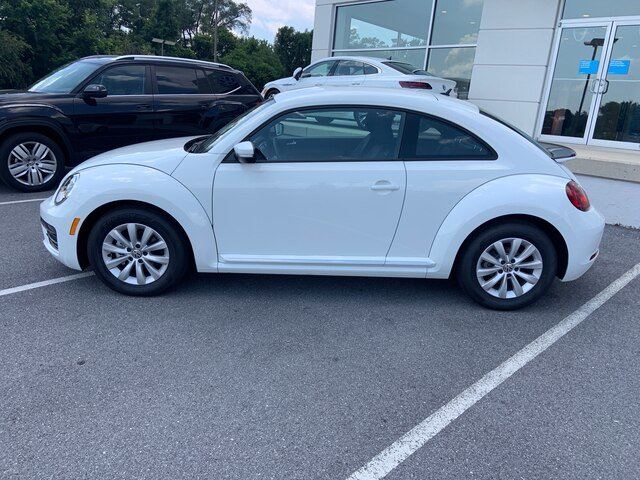 2019 Pure_white Volkswagen Beetle S 2 Door Hatchback Automatic FWD 2.0L 4 cyls Engine