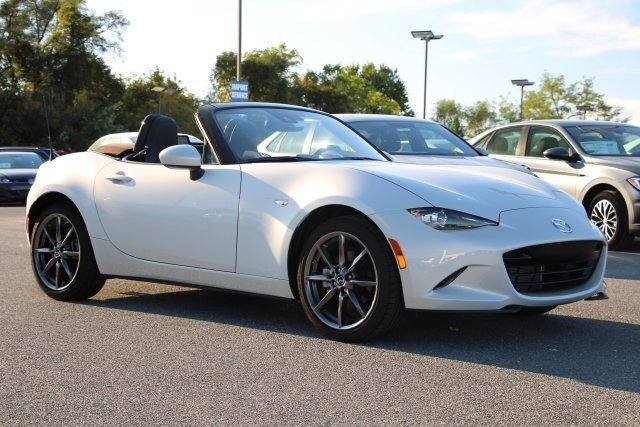 2019 Ceramic Metallic Mazda MX-5 Miata Grand Touring 2.0L 4 cyls Engine Convertible RWD Automatic