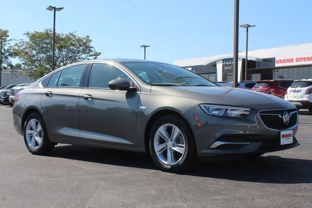2019 Smoked Pearl Metallic Buick Regal Sportback Preferred FWD Hatchback Automatic 4 Door 2.0L 4 cyls Engine