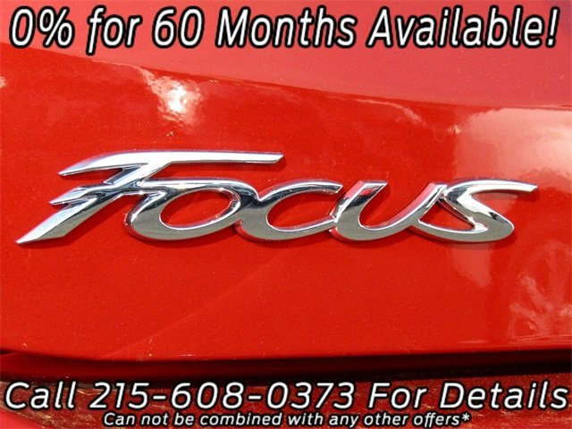 2018 Chili Pepper Red Ford Focus SE Sedan Automatic FWD 4 Door