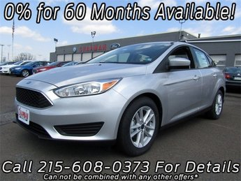 2018 Ingot Silver Metallic Ford Focus SE 4 Door FWD I4 Engine Automatic