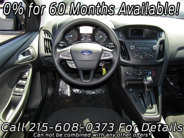 2018 Magnetic Metallic Ford Focus SE I4 Engine Sedan FWD 4 Door Automatic