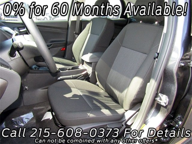 2018 Magnetic Metallic Ford Focus SE FWD Automatic 4 Door Sedan