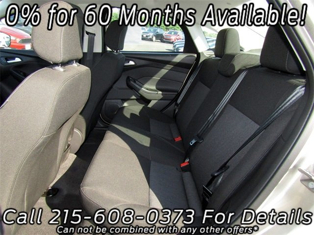 2018 White Gold Metallic Ford Focus SE Automatic FWD 4 Door