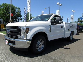 2018 Oxford White Ford Super Duty F-250 SRW XL 2 Door V8 Engine RWD
