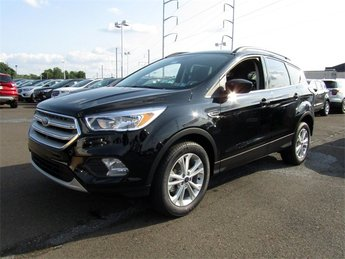 2018 Shadow Black Ford Escape SE Automatic 4 Door FWD EcoBoost 1.5L I4 GTDi DOHC Turbocharged VCT Engine