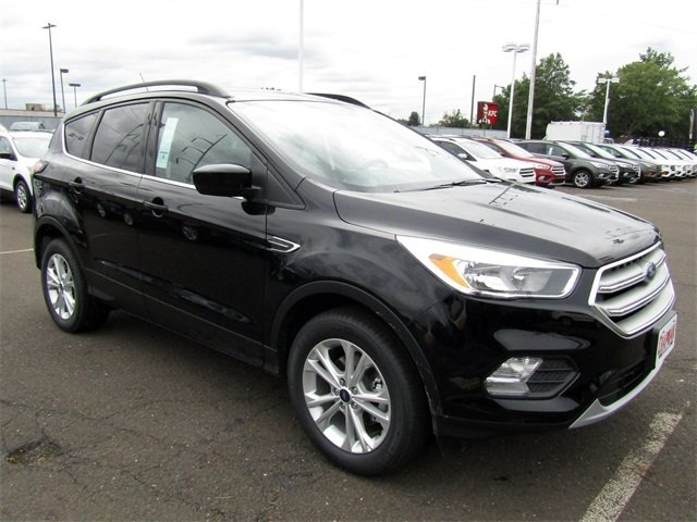 2018 Shadow Black Ford Escape SE SUV 4 Door FWD Automatic EcoBoost 1.5L I4 GTDi DOHC Turbocharged VCT Engine
