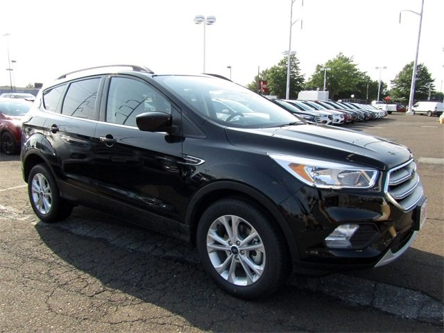2018 Shadow Black Ford Escape SE EcoBoost 1.5L I4 GTDi DOHC Turbocharged VCT Engine SUV 4 Door