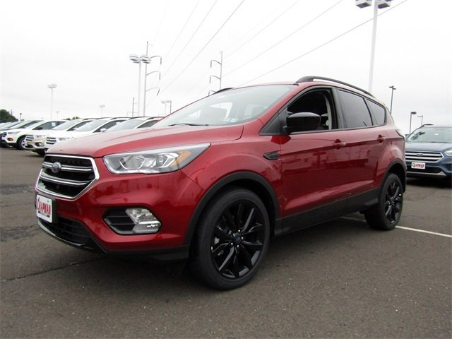 2018 Ruby Red Metallic Tinted Clearcoat Ford Escape SE FWD Automatic SUV 4 Door EcoBoost 1.5L I4 GTDi DOHC Turbocharged VCT Engine