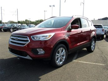 2018 Ruby Red Metallic Tinted Clearcoat Ford Escape SE SUV 4 Door 4X4 Automatic EcoBoost 1.5L I4 GTDi DOHC Turbocharged VCT Engine