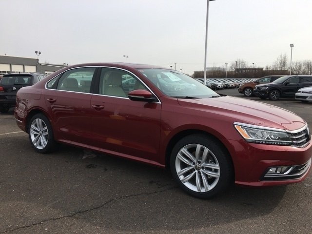 2018 Volkswagen Passat 2.0T SE 4 Door FWD 2.0L TSI Engine Sedan Automatic