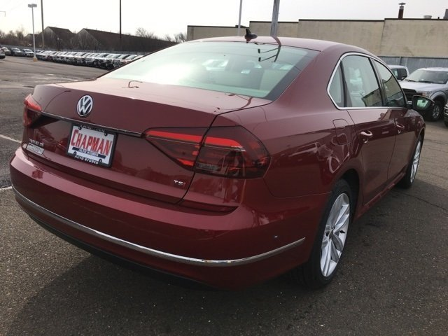 2018 Volkswagen Passat 2.0T SE Sedan 4 Door 2.0L TSI Engine