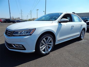 2018 Pure White Volkswagen Passat 2.0T SEL Premium Sedan Automatic 2.0L TSI Engine 4 Door FWD
