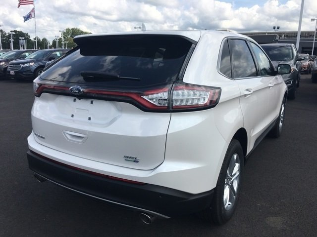 2017 White Platinum Metallic Tri-Coat Ford Edge SEL EcoBoost 2.0L I4 GTDi DOHC Turbocharged VCT Engine AWD SUV 4 Door