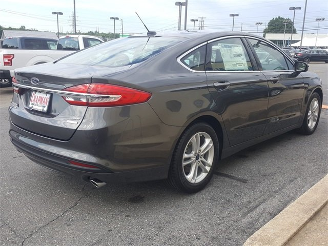 2018 Ford Fusion SE EcoBoost 1.5L I4 GTDi DOHC Turbocharged VCT Engine FWD 4 Door Sedan Automatic