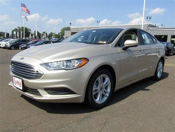2018 White Gold Metallic Ford Fusion SE FWD Sedan Automatic EcoBoost 1.5L I4 GTDi DOHC Turbocharged VCT Engine 4 Door