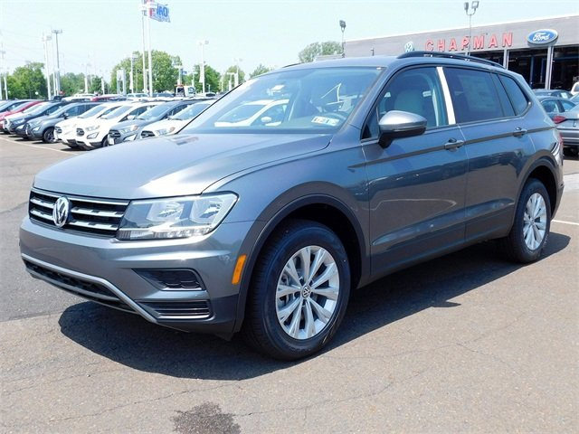 2018 Platinum Gray Metallic Volkswagen Tiguan S SUV 4 Door 2.0L TSI DOHC Engine Automatic