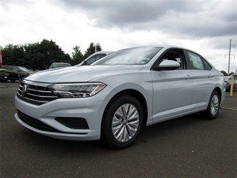 2019 White Silver Metallic Volkswagen Jetta 1.4T S 1.4L TSI Engine Sedan Automatic 4 Door