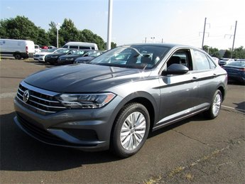 2019 Platinum Gray Metallic Volkswagen Jetta 1.4T S FWD 1.4L TSI Engine Sedan 4 Door Automatic