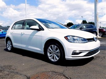 2018 Volkswagen Golf TSI S 4-Door 4 Door 1.8L 4-Cylinder TSI DOHC 16V Turbocharged Engine Automatic Hatchback