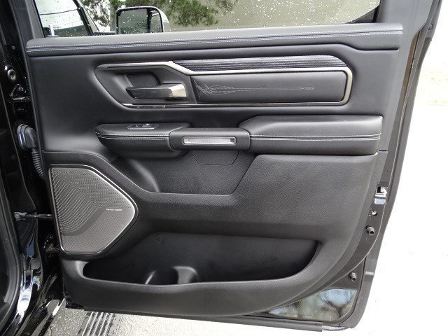2019 Ram 1500 Limited Truck RWD 4 Door Regular Unleaded V-8 5.7 L/345 Engine Automatic