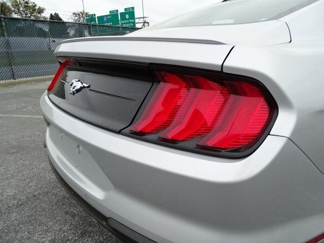 2018 Ford Mustang EcoBoost Intercooled Turbo Premium Unleaded I-4 2.3 L/140 Engine Coupe RWD