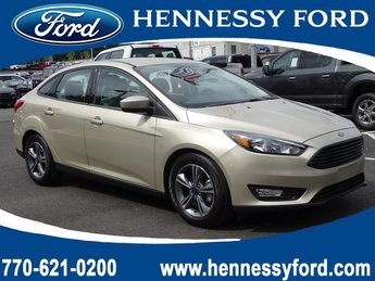 2018 White Gold Metallic Ford Focus SE 4 Door Sedan FWD