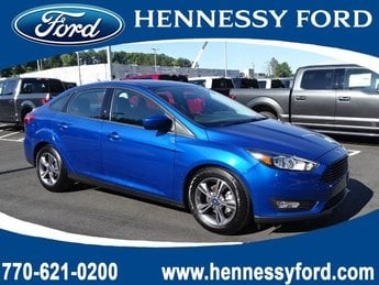 2018 Lightning Blue Metallic Ford Focus SE 4 Door FWD Sedan