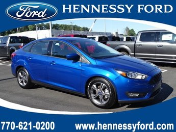 2018 Lightning Blue Metallic Ford Focus SE FWD Sedan 4 Door Regular Unleaded I-4 2.0 L/122 Engine