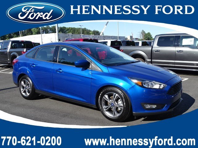 2018 Lightning Blue Metallic Ford Focus SE 4 Door Regular Unleaded I-4 2.0 L/122 Engine Sedan