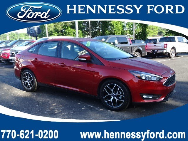 2018 Hot Pepper Red Metallic Tinted Clearcoat Ford Focus SEL Automatic FWD 4 Door Sedan Regular Unleaded I-4 2.0 L/122 Engine