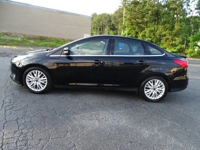 2018 Ford Focus Titanium Sedan FWD 4 Door