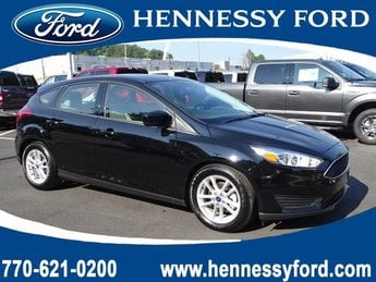 2018 Shadow Black Ford Focus SE 4 Door Hatchback Manual
