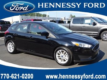 2018 Shadow Black Ford Focus SE Manual Regular Unleaded I-4 2.0 L/122 Engine 4 Door FWD Hatchback